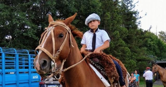 Cabalgata a Roberto Cano en conmemoración del Gauchito Gil