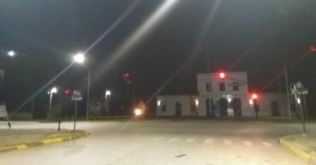 Repararon el semáforo de Avenida 25 de Mayo, Tormey y Tres de Febrero