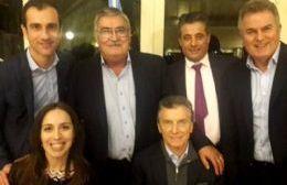 El Presidente Mauricio Macri encabezó un asado con el objetivo de apuntalar los ánimos de los intendentes bonaerenses y pedirles redoblar su esfuerzo en el territorio.