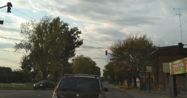 Vuelve a funcionar el semáforo de Avenida San Martín e Italia