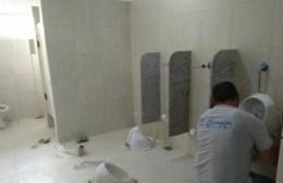 Las obras de los nuevos baños de la Primaria N° 15 entran en sus días finales