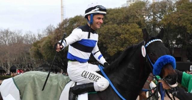 Gustavo Emiliano Calvente llegó a los 2 mil triunfos