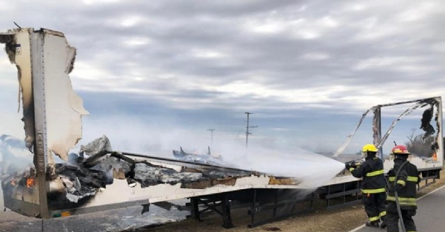 Se incendió la carga de un camión en la Ruta 31