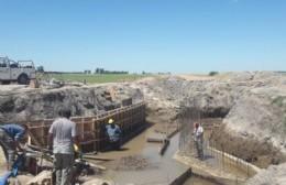 Avanza la construcción de una nueva alcantarilla en el camino 229