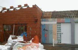 Ya se han levantado todas las paredes y se está armando el techo.