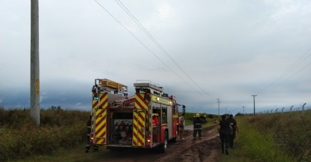 Bomberos Voluntarios intervinieron en principio de incendio de un auto en la Ruta 31