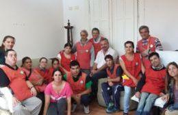 La cobranza está a cargo de los chicos del Grupo Esperanza.