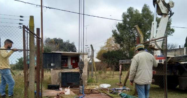 Colocan nueva bomba extractora en el Pozo N° 10 del Servicio de Agua Municipal