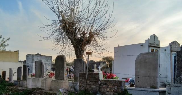 Cementerio Municipal: Aún no comienza la reconstrucción de una de las paredes laterales