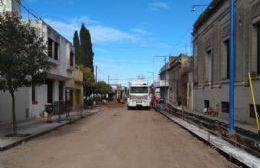 Avanza la reconstrucción de cordón cuneta en calle Constitución