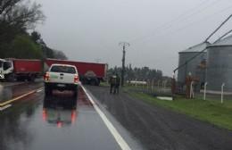 Ruta 188 cortada por un camión encajado