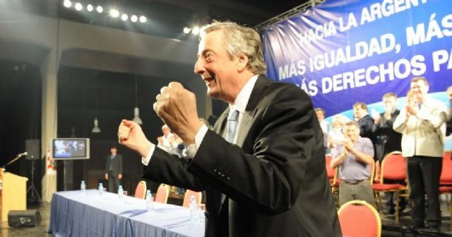 Néstor Carlos Kirchner.