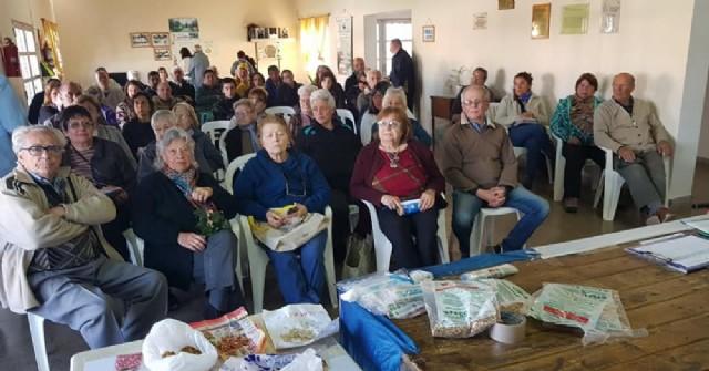 La delegación local del INTA entregó semillas en el Taller Protegido