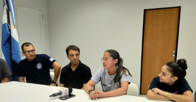Los Bomberos Voluntarios de Rojas son anfitriones de una colega chilena