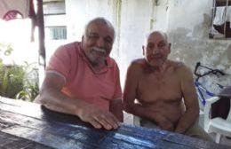 Juan José Torres junto al padre de Lucas Molina.