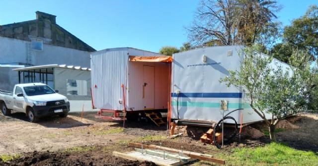Avanzan instalaciones en el patio del Hospital para enfrentar un posible pico de la pandemia