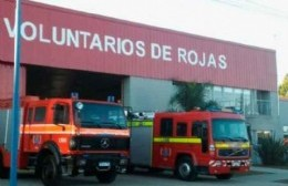Bomberos controlaron principio de incendio de un vehículo