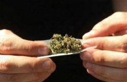 Arrestado por un cigarrillo de marihuana.