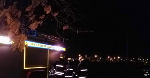 Intervención de bomberos por principio de incendio de un transformador