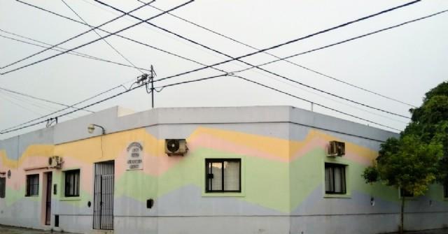 Arreglan techos del jardín maternal de Barrio Progreso