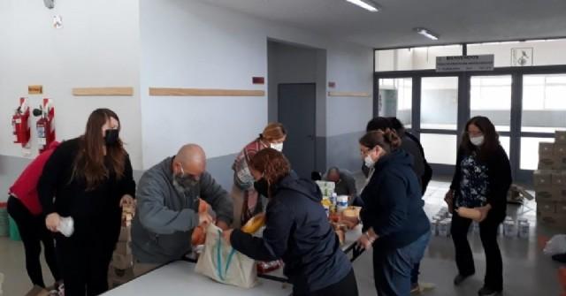 La Escuela Secundaria N° 5 entregó los bolsones alimentarios del SAE
