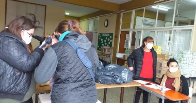 En las Secundarias 3, 4 y 6 se cumplió otra jornada de entrega de alimentos