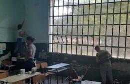 Trabajos de pintura en la escuela de Rafael Obligado